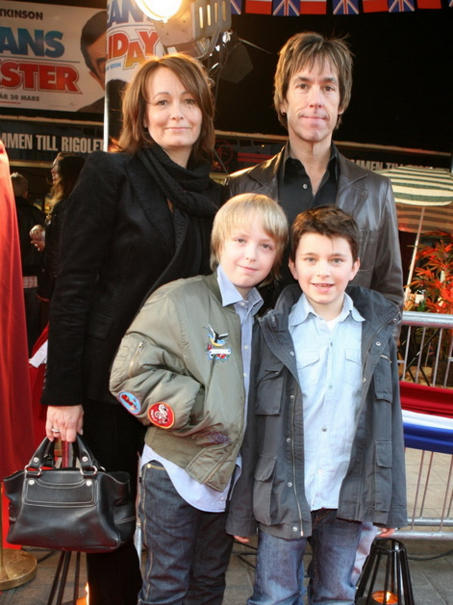 Черновецкий и его дети фото